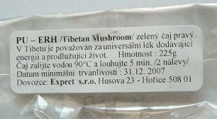 štítek s informacemi českého dovozce